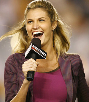 Erin Andrews Does P90X