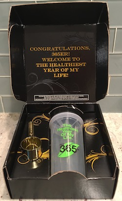 Shakeology 365er Gold Scoop Shaker Cup